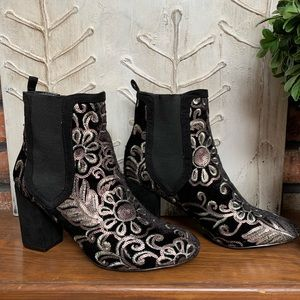 Mackin J Shoes - Mackin J black velvet beaded floral design pull on